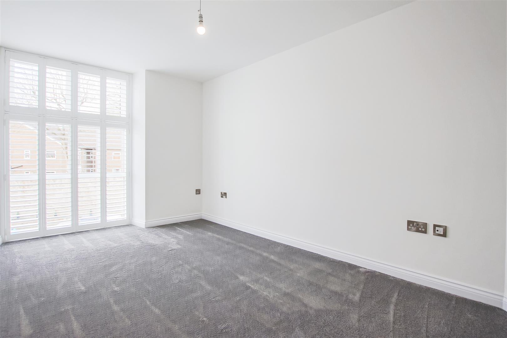 2 Bedroom Apartment For Sale - Image 9